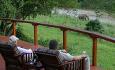 Deretter reiser du til Amakhosi Safari Lodge, som ligger i et privat game reservat
