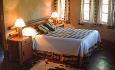 Her i Simunye Zulu Village overnatter du en natt