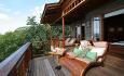 Hotellets villaer har en spektakulær utsikt fra verandaen