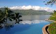Hotellet har et nydelig infinity svømmebasseng