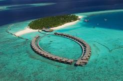 Øya er 170 x 390 meter
