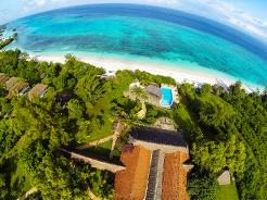 Manta Resort ligger ved en nydelig strand helt nord på Pemba, med en fantastisk utsikt utover det indiske hav.