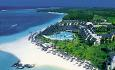 Lux* Belle Mare har en perfekt beliggenhet langs den nydelige stranden Belle Mare på østkysten av Mauritius