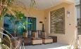 Beach contemporary rommene har alle balkong eller terrasse med havutsikt