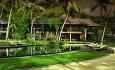 Junior Suitene ligger i disse idylliske småhusene i hotellets hage