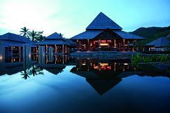 Ephelia Resort åpnet i februar 2010 og ligger på nordvestkysten av Mahe