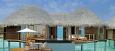 Romkategorien vannvilla står på påler ute i vannet