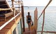 Constance Moofushi er et snorkleparadis og man kan svømme ut til husrevet fra villaen