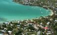 Ocean Villas ligger rett i utkanten av turistbyen Grand Baie