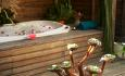 Jacuzzi Beach Villaene har boblebad ute i hagen