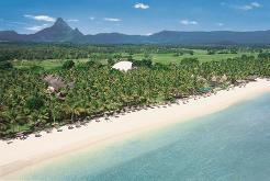 La Pirogue ligger rett ved siden av sitt søsterhotell Sugar Beach på vestkysten av Mauritius
