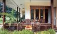 Les Villas d'Or er et familidrevet anlegg. Dette er resepsjonen.