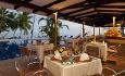 Mango Terrace Restaurant fungerer både som bar og lunsjrestaurant på dagtid, og à la carte restaurant på kvelden