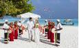 Finnes det noe mer romantisk enn å gifte seg på stranda på Maldivene?