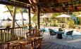 Sakoa Botique Hotels restaurant Oak er en åpen restaurant som serverer frokost, lunsj og middag. Restaurantens spesialiteter er sjømat og andre lokale retter.