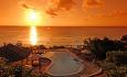 Den vakre solnedgangen sett fra hotellets restaurant.