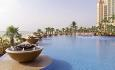 Et av hotellets nydelige svømmebasseng