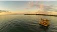 De fleste som bor i undervannsrommet bor her 1 eller 2 netter, og resten av oppholdet på land. Man kan spise alle måltider her eller bli hentet i båt og kjørt til hotellet om man heller foretrekker det.