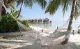 Begge øyene er omringet av nydelige sandstrender