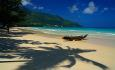 Den nydelige stranden Beau vallon ligger 1 minutts gange fra hotellet