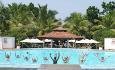 Hotellet tilbyr yoga-, medistasjon- og tai chiklasser, men også  vanngymnastikk