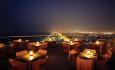 Du har en spektakulær utsikt fra hotellets takrestaurant