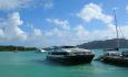 Hurtigbåten Cat Cocos går mellom øyene Mahe og Praslin, og mellom Praslin og La Digue